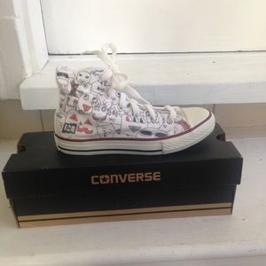 Kids' Converse high top sneakers